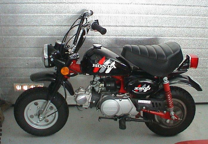 Honda_monkey_z50