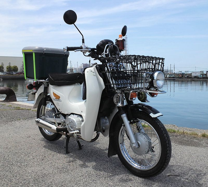 Honda_Super_Cub110pro_(JA07)_in_Fuke_Port02