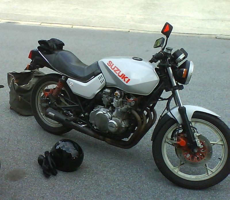 800px-Suzuki_GS650G_Katana