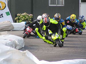 300px-Close_racing_at_Mill