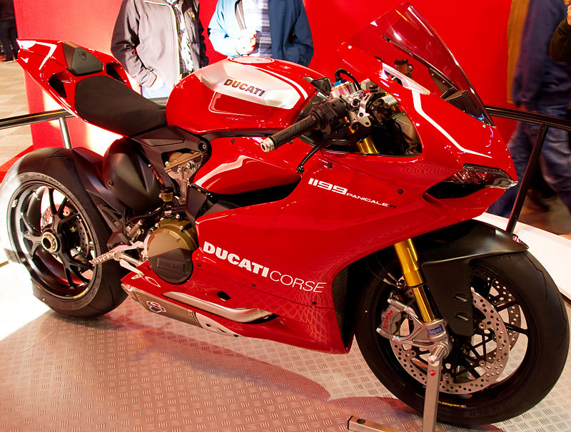 800px-Ducati_1199_Panigale_R_(8226624471)