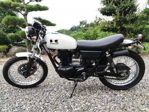 カワサキTR250
